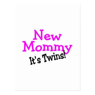 Nueva mamá sus gemelos postal