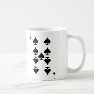 Nueve de espadas taza de café