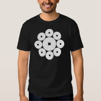 Nueve monedas para la familia de Hasebe Camiseta