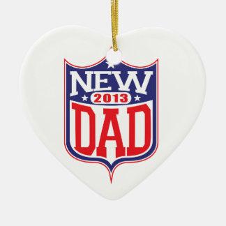 Nuevo papá 2013 adorno navideño de cerámica en forma de corazón