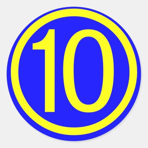 número 10 en un círculo, fondo azul etiquetas redondas | Zazzle