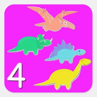 Número 4 cuenta de cuatro dinosaurios calcomanías cuadradass