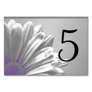 Números florales púrpuras de la tabla de los