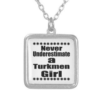 Nunca subestime a una novia turcomana collar plateado