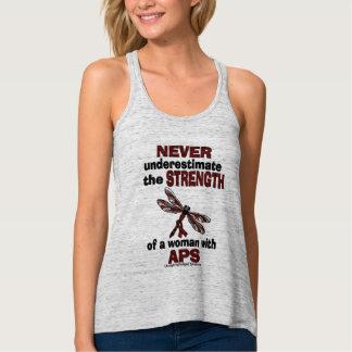 Nunca subestime… la mujer/la libélula… APS Camiseta Con Tirantes