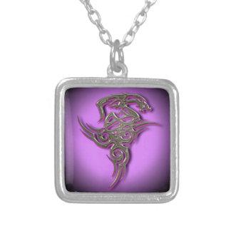 Ocult tribal de la muestra del dragón scarry collar plateado