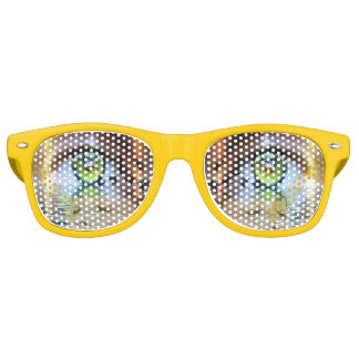 Ojo de las gafas de sol del espectador