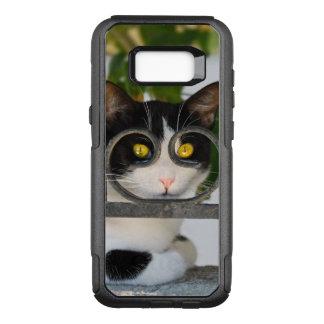 Ojos de gato curiosos con la foto divertida del funda otterbox commuter para samsung galaxy s8+