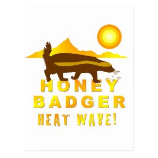 ola de calor del tejón de miel tarjeta postal