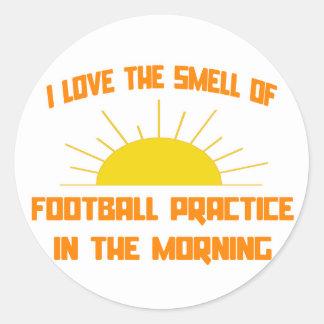 Olor de la práctica del fútbol por la mañana pegatina redonda