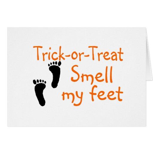 Olor del truco o de la invitación mis pies tarjetón