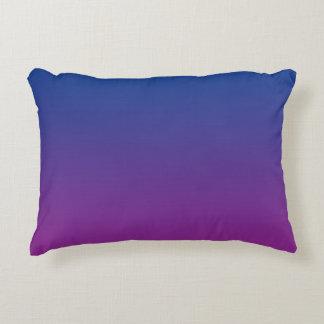 """Ombre azul y púrpura"" Cojín Decorativo"