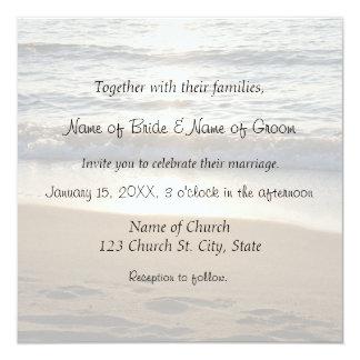 Onda en las tarjetas de la invitación del boda de