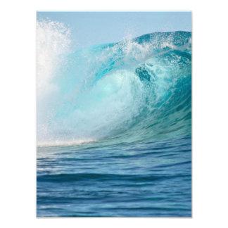Onda grande del Océano Pacífico que rompe la foto