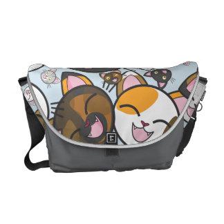 Oodles de la bolsa de mensajero de los gatitos de bolsa de mensajería