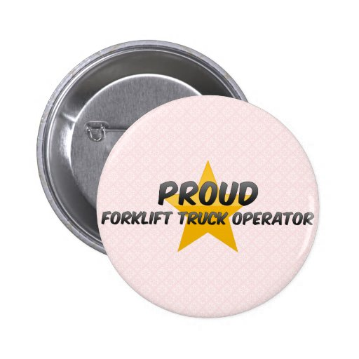 Operador orgulloso de la carretilla elevadora pins