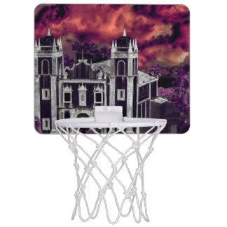 Opinión aérea del paisaje urbano tropical de la miniaro de baloncesto