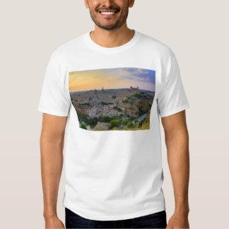 Opinión de la puesta del sol de Toledo España Camisetas