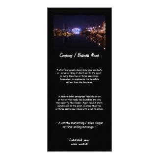 Opinión del muelle en la noche tarjeta publicitaria a todo color