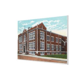 Opinión exterior la escuela y Pasillo de St Mary Lienzo Envuelto Para Galerías
