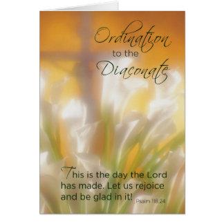 Ordenación al diaconato, a los lirios y a la cruz, tarjeta de felicitación