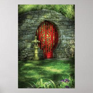 Oriental - la puerta de la luna póster