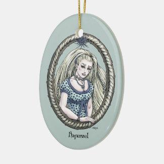 """Ornamento #1 del arte de la fantasía de """"Rapunzel"""" Adorno Navideño Ovalado De Cerámica"""