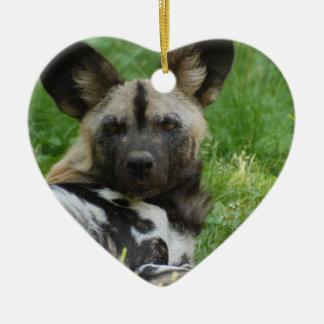 Ornamento africano del perro salvaje adorno