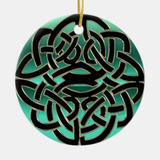 Ornamento céltico del nudo del trullo y del escudo