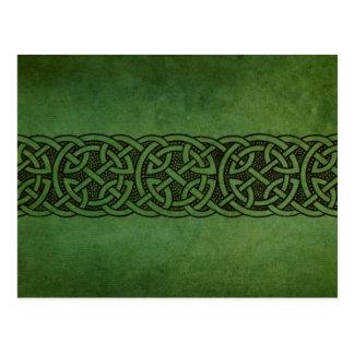 Ornamento céltico irlandés rústico del nudo postal