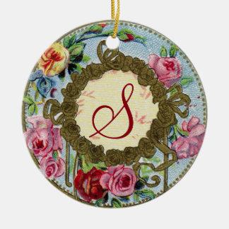 Ornamento color de rosa francés antiguo con