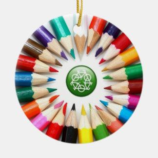 Ornamento colorido de los lápices adorno de reyes