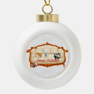 Ornamento cuidado en exceso del día de fiesta de adorno de cerámica en forma de bola