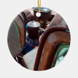 Ornamento de cerámica del coche oxidado americano