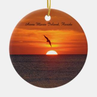 Ornamento de la playa de la puesta del sol