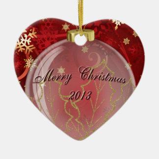 Ornamento de las Felices Navidad 2013 en diseño Adorno Navideño De Cerámica En Forma De Corazón