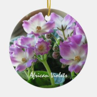 Ornamento de las flores de las violetas africanas adorno redondo de cerámica