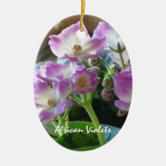 Ornamento de las violetas africanas adorno ovalado de cerámica