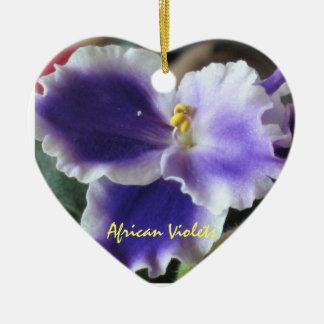 Ornamento de las violetas africanas adorno de cerámica en forma de corazón