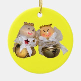Ornamento de los ángeles del navidad adorno redondo de cerámica