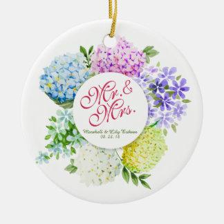 Ornamento de Sr. y de señora Floral Spring Wedding