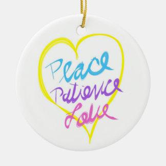 Ornamento del amor de la paciencia de la paz adorno navideño redondo de cerámica