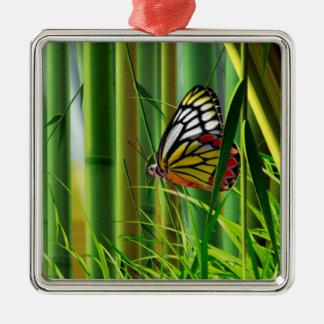Ornamento del arte 1 del bambú y de la mariposa adorno cuadrado plateado