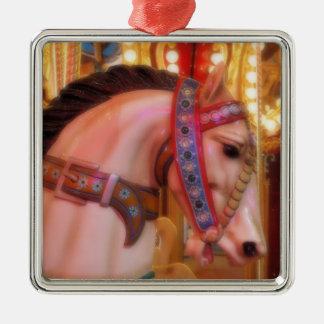 Ornamento del caballo del carrusel