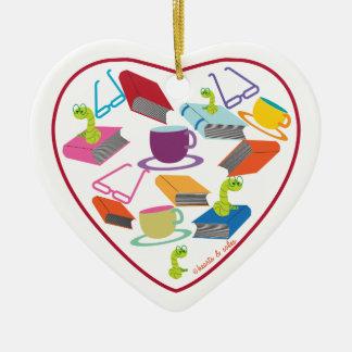 Ornamento del corazón del gusano de libro ornamentos de reyes