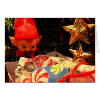 Ornamento del duende y tarjeta del regalo de