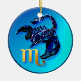 Ornamento del escorpión adorno navideño redondo de cerámica