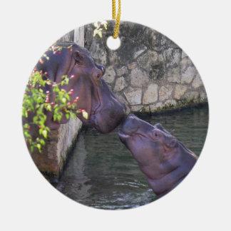 Ornamento del hipopótamo de la madre y del bebé