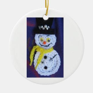 Ornamento del muñeco de nieve del ganchillo ornatos