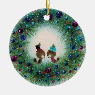 Ornamento del navidad de la guirnalda y del pájaro adorno navideño redondo de cerámica
